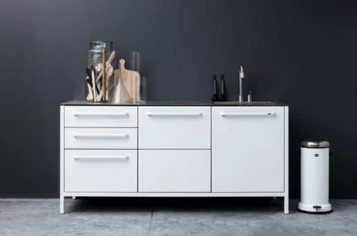 Modulküchen eignen sich besonders für kleine Räumlichkeiten und Menschen, die oft umziehen (müssen). (Foto: Vipp)