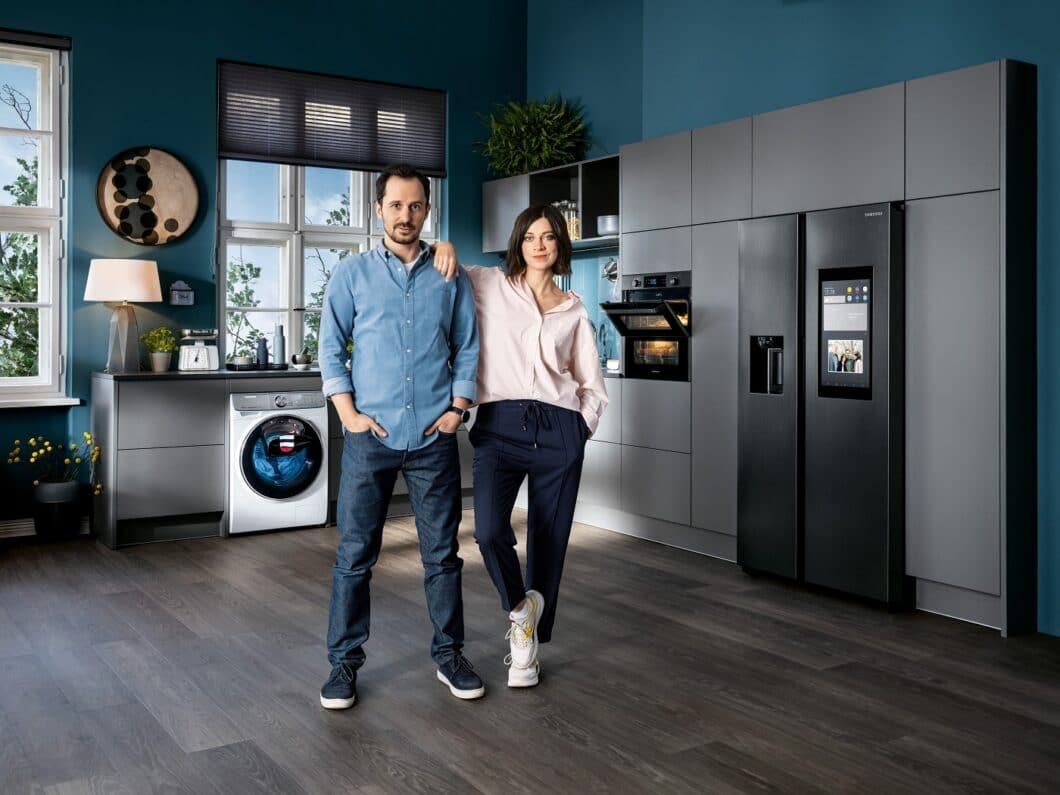 Mit einer Kampagne über ein Pärchen, das hektisch versucht, alle Haushaltsgeräte im Griff zu haben, bevor die Schwiegereltern einfallen, sorgte Samsung Anfang des Jahres für einige Lacher. (Foto: Samsung)