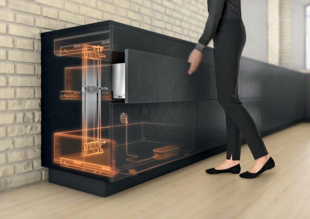 Highlight aller Öffnungsmechanismen ist unbestreitbar der SERVODRIVE aus dem Hause BLUM: Damit öffnet sich jeder noch so schwere Küchenauszug auf Druck hin mit elektrischer Verstärkung. (Foto: BLUM)