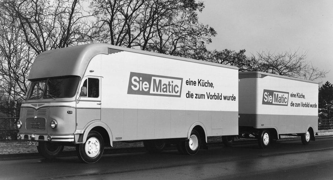 Seiner Vorreiterrolle wurde sich SieMatic früh bewusst: Mit der ersten grifflosen Küche 1960 feierte man den Durchbruch als anerkannte und hochelegante Küchenmarke. (Foto: SieMatic)