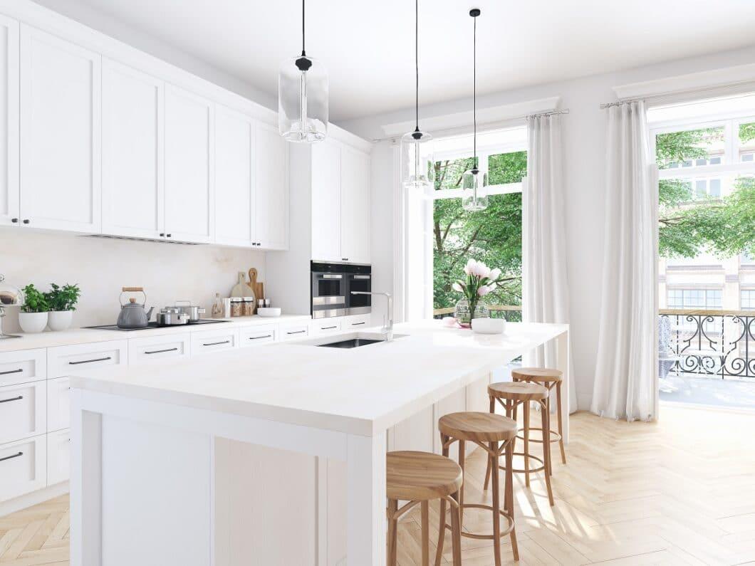 """Die Küche ist zuallererst ein Ort, an dem wir uns wohlfühlen sollten. In Zeiten von """"Cocooning"""" besonders wichtig. Zugleich ist eine hochwertige Küche auch ein sicheres Investment in die Zukunft. (Foto: stock/ 2mmedia)"""